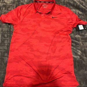 Nike Zonal Cooling Red Camo Golf Shirt Medium